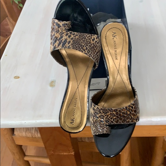 Anne Klein Shoes - Snakeskin print suede sandal excellent condition